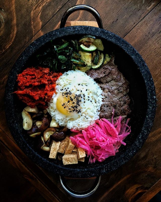 #AnythingAlsoEat - DIY Bibimbap ~•~•~•~•~ If you are looking for a lunch fix, you should definitely head to @8koreanbbq for their DIY Bibimbap.